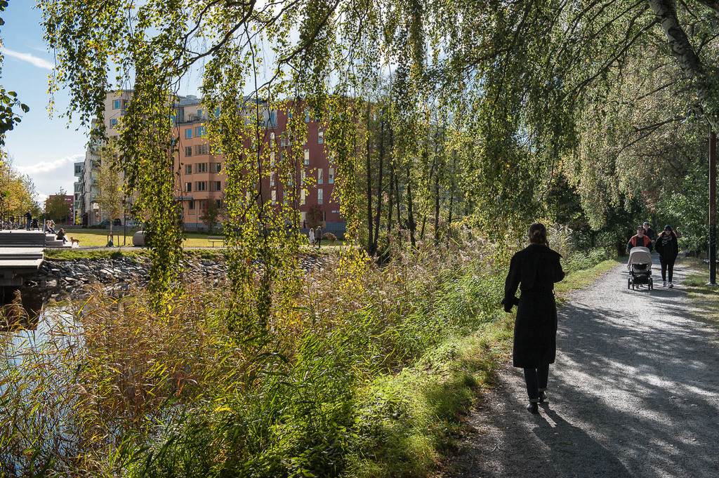 Fina promenadstråk längs kanalen