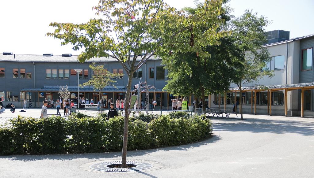 Skolgården på Segeltorpsskolan