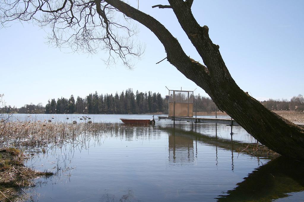 Småbåtshamn i Lännaviken