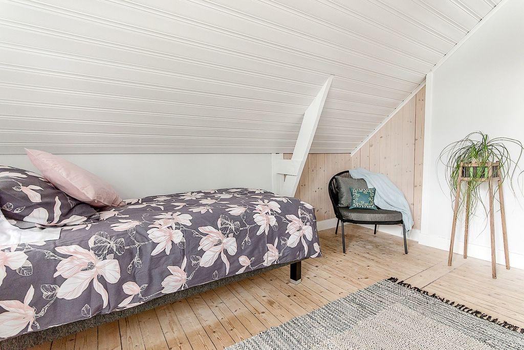 Snedtak och vackra detaljer i sovrummen