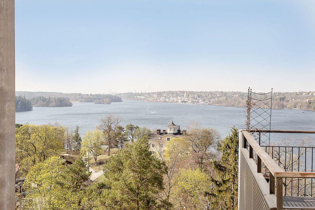Utsikt från den nedre balkongen
