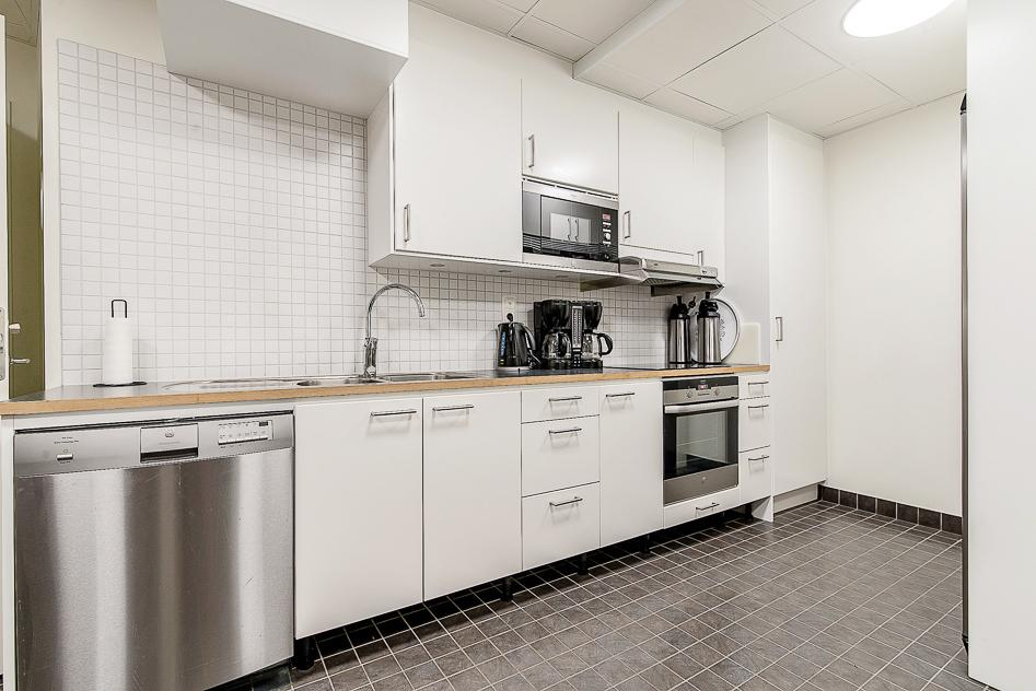Köket som tillhör lokalen och övernattslägenheten