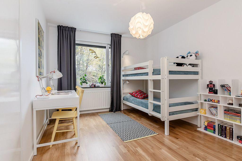 Sovrum, används idag som barnrum