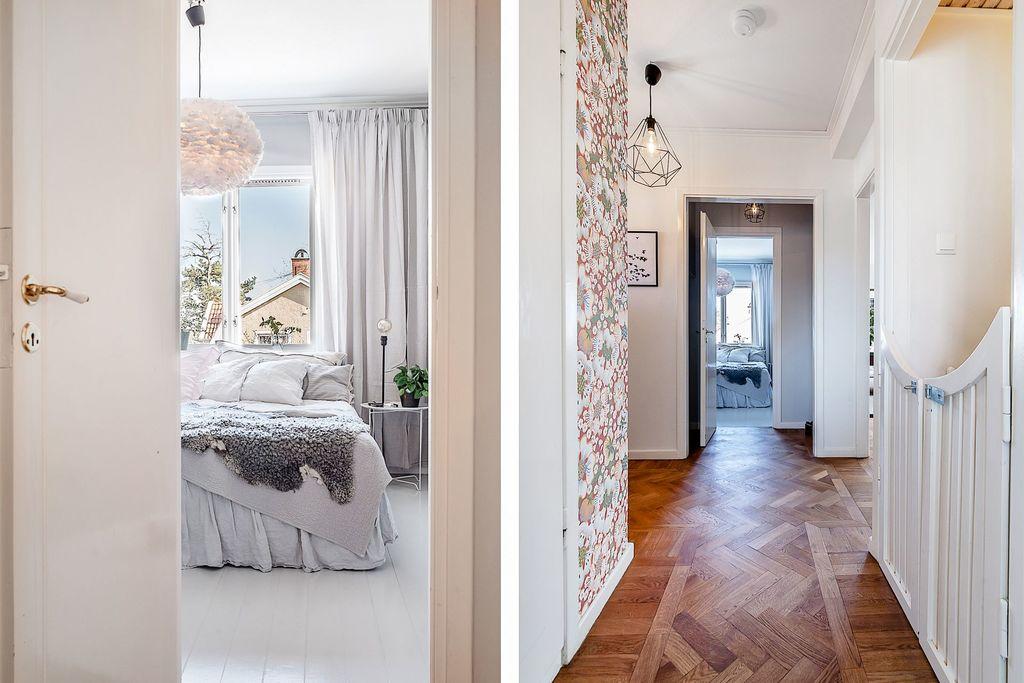Den övre hallen och glimt in i sovrum