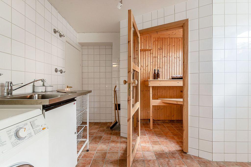 Tvättstuga, bastu och duschrum