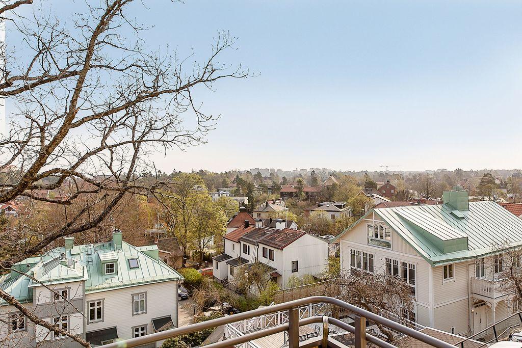 Utsikt från balkongen över Mälarhöjden