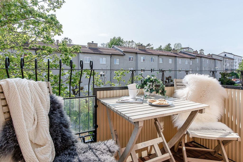 Solig balkong i bästa söderläge
