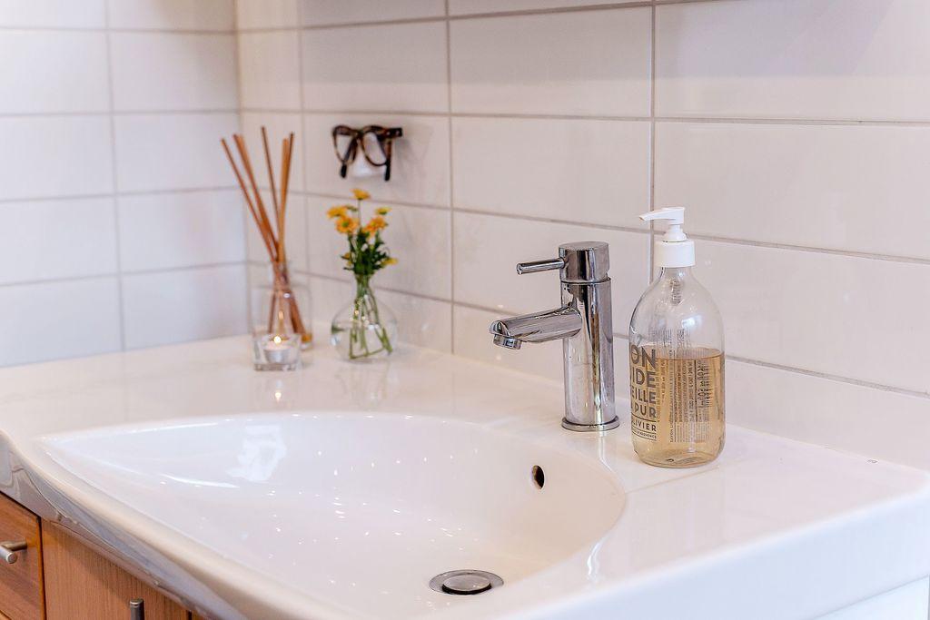 Handfatet i badrummet på entréplan