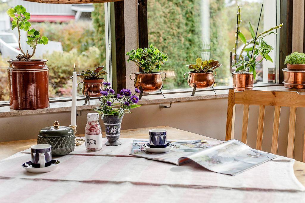 Stort fönsterparti i köket