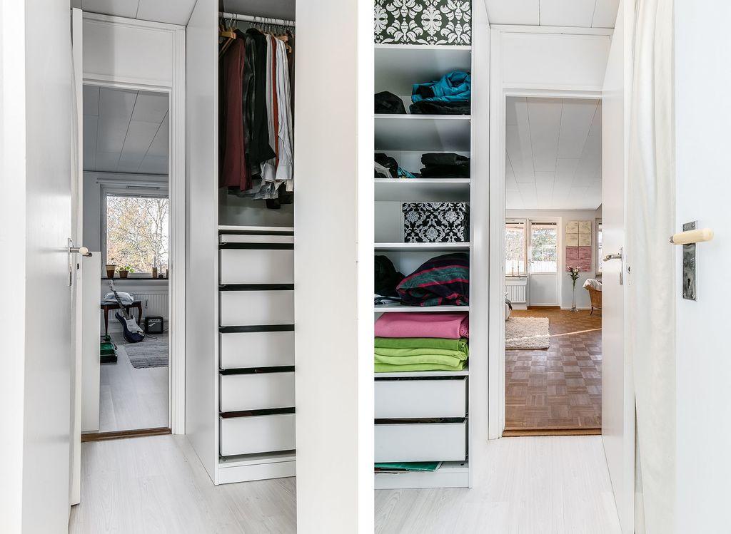 Genomgående klädkammare mellan vardagsrum och sovrum