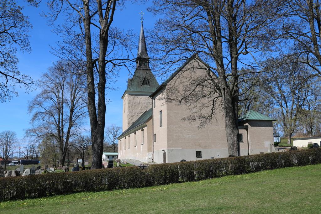 Brännkyrka kyrka, med historia från 1100-talet