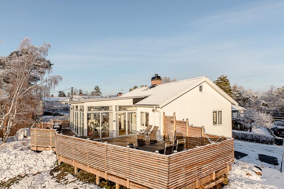 Välkommen till ett fantastiskt fint hus i högt och soligt läge!
