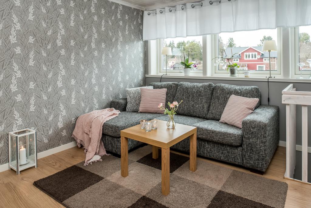 Möblerbar hall på övre plan, Övrigt