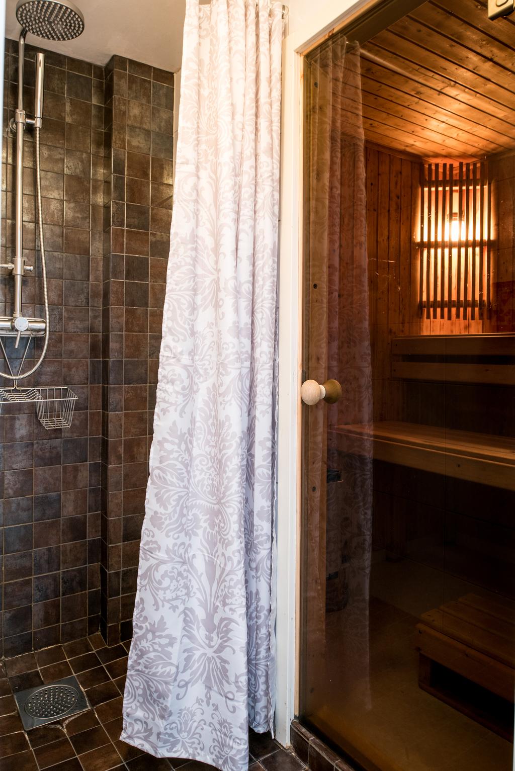 Bastu/dusch, Övrigt