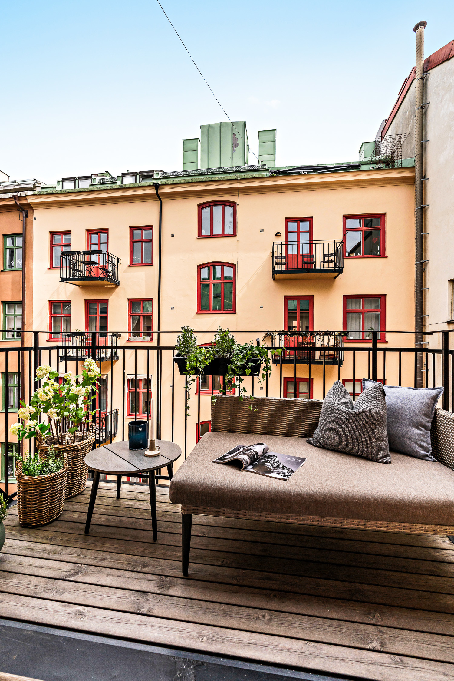 Högt och ljust läge på balkongen
